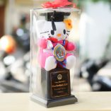 Piala Boneka Wisuda Hello Kitty Box Mika